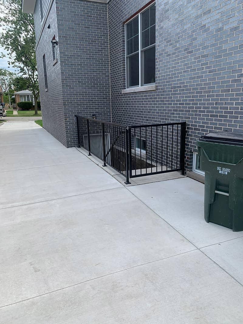 comercial metal railings